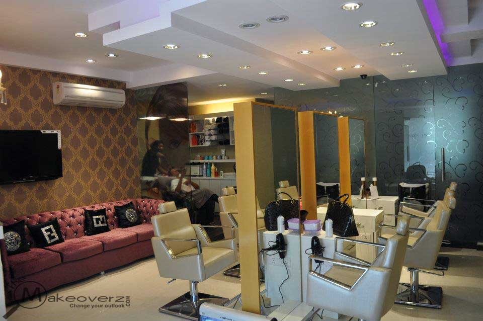 Meenakshi dutt makeovers shivalik for Adamo salon malviya nagar