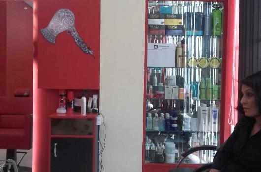Gravity unisex salon sector 3 rohini for Gravity salon